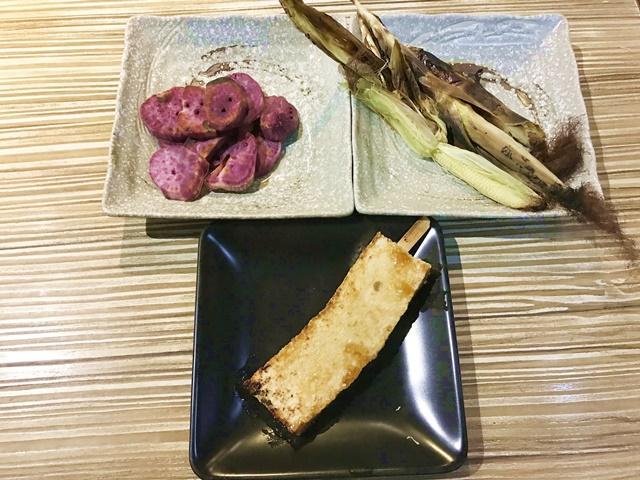 椒鹽地瓜、百頁豆腐、玉米筍