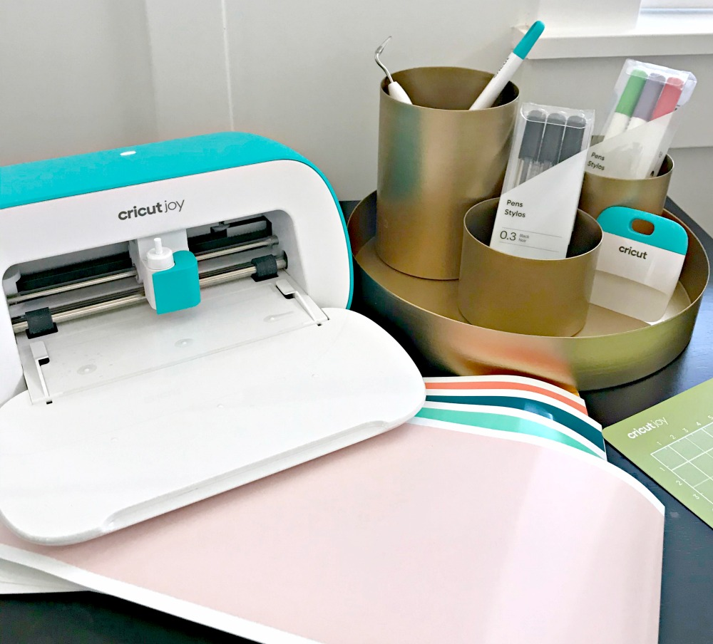 Three Little Things To Make with the Cricut Joy {Using Vinyl}
