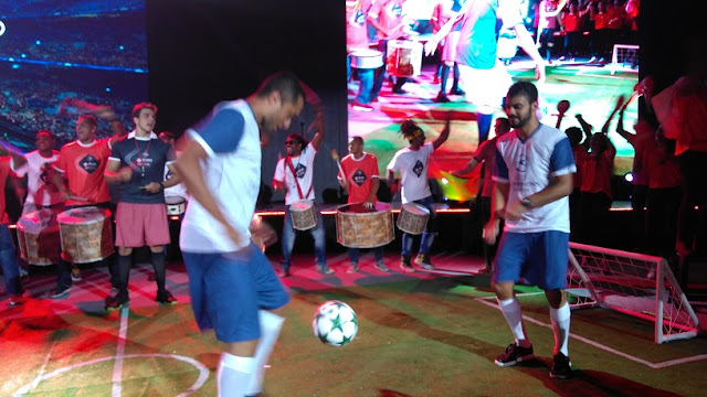 """Flash mob """"Tudo Vira Futebol"""" para a festa de encerramento da Convenção SKY, o show foi produzido para o canal Esporte Interativo. O evento se realizou no Iberostar Praia do Forte BA."""