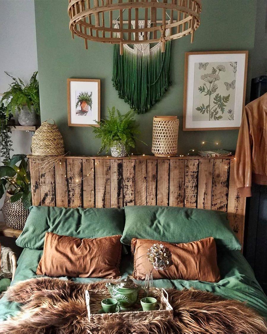 Nieszablonowe mieszkanie z naturą w tle, wystrój wnętrz, wnętrza, urządzanie domu, dekoracje wnętrz, aranżacja wnętrz, inspiracje wnętrz,interior design , dom i wnętrze, aranżacja mieszkania, modne wnętrza, home decor, rustic style, Scandinavian style, industrial style, classic style, styl rustykalny, styl skandynawski, vintage, boho, styl industrialny, styl eco, natura, natural, stonowane kolory, urban jungle, lniana pościel, sypialnia, bedroom, drewniany zagłówek