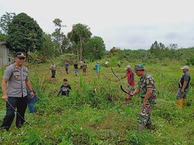 Kapolsek Geragai Pimpin Kegiatan Polri Peduli Penghijauan Rawat Pohon Selamatkan Bumi