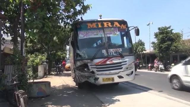 Kecelakaan Bus Mira Nganjuk