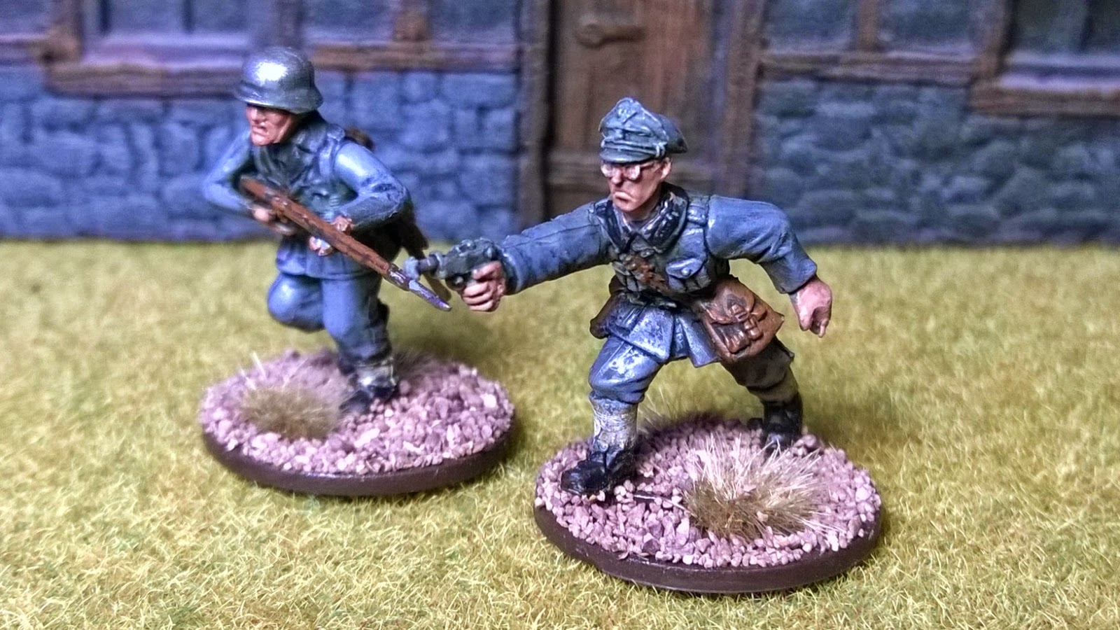 Bolt action german officer