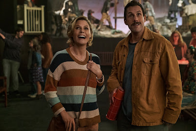 "Julie Bowen and Adam Sandler star in the Netflix comedy ""Hubie Halloween"" (2020)."