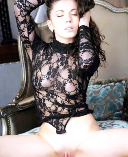 Эротика на www.eroticaxxx.ru Девушка с красивой грудью 17 xxx эротических фото