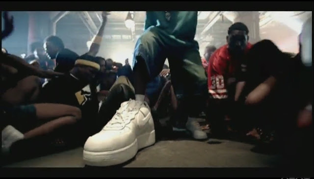 ludacris-stand-up-big-nike-sneakers