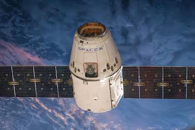 SpaceX-Earth-Orbiter