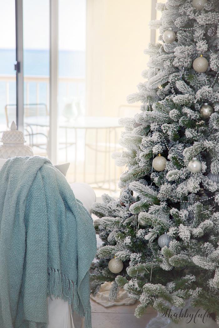 coastal-christmas-decorating