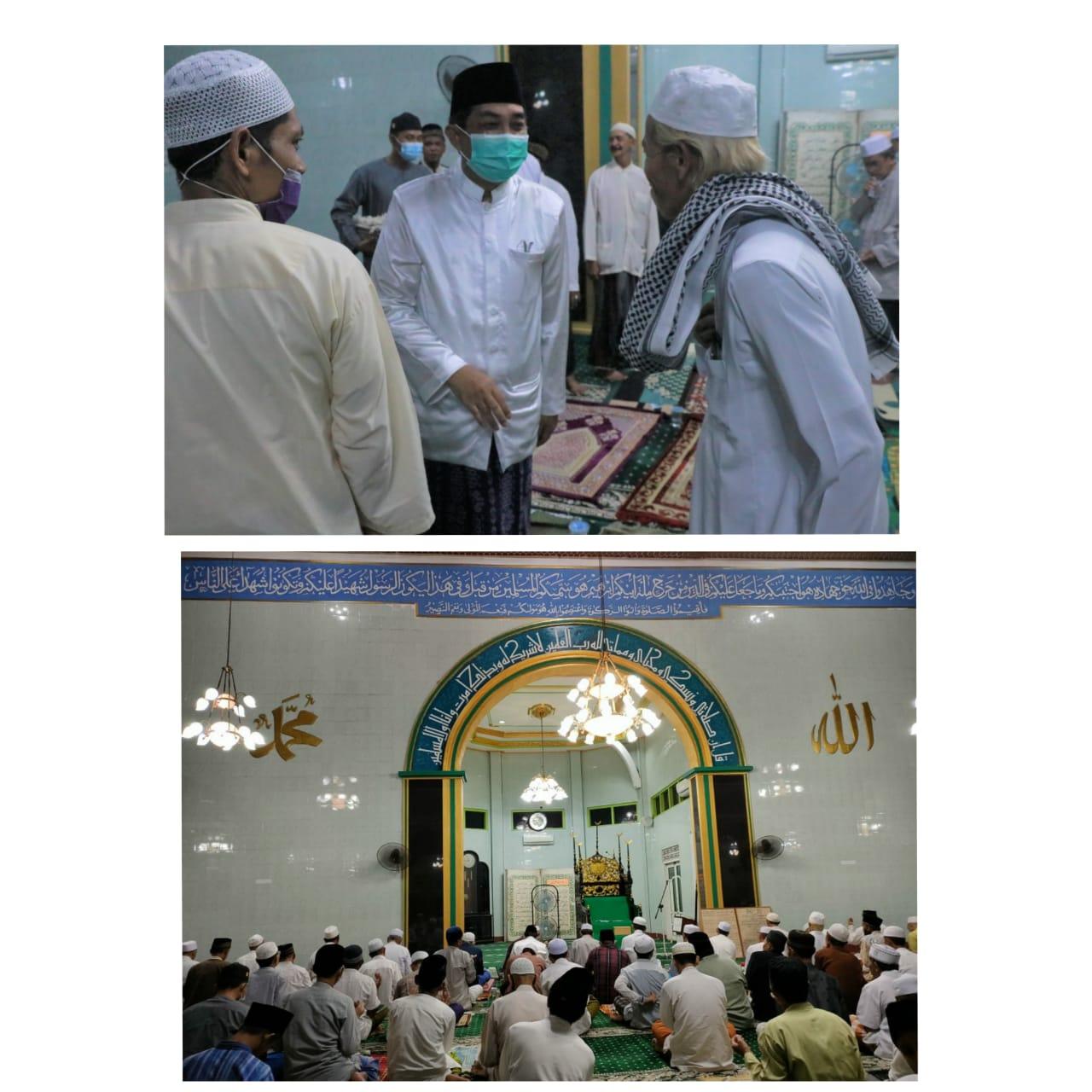 Sholat Tarawih Malam Akhir Ramadhan Bersama Bupati Tanjab Barat di Masjid Agung Al-Istiqomah