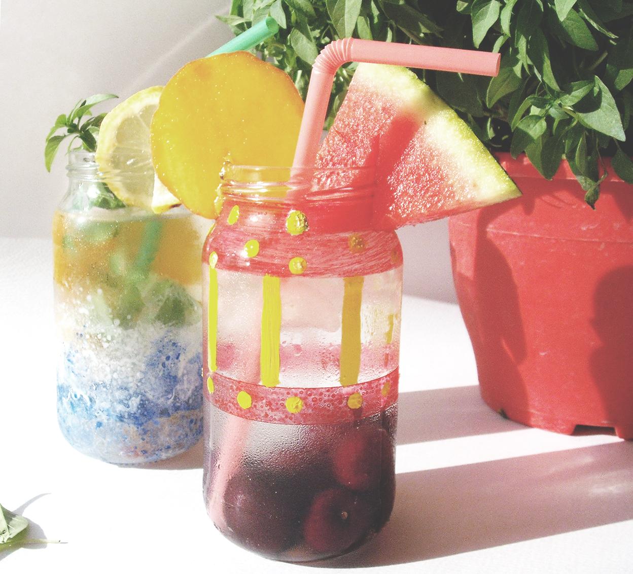 Αρωματισμένο με φρούτα του καλοκαιριού νερό