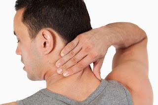 Penyebab, Gejala dan Pengobatan Asam Urat di Leher