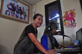 Mengintip Perjuangan Kru Radio Gapuro Klewer