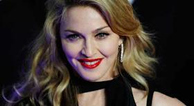 Madonna: कोरोना पॉजिटिव के बाद फेमस सिंगर निकली लॉन्गड्राइव पर
