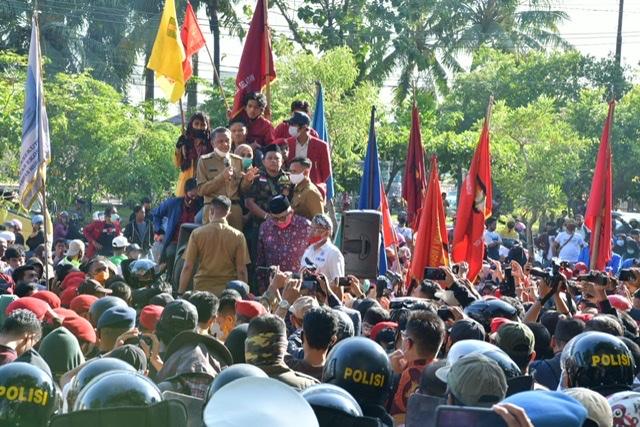 Gubernur Nurdin Abdullah Segera Lapor ke Presiden Soal Aksi Omnibuslaw