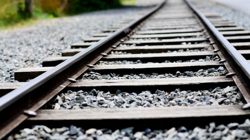 Vì sao đường ray xe lửa luôn được rải đá, điều con người vẫn làm từ 200 năm nay