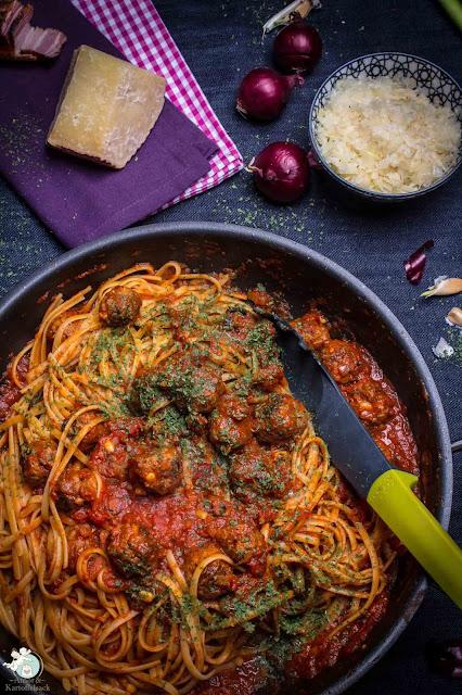 Nudeln mit neapolitanischen Fleischbällchen