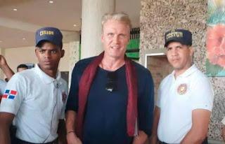 SANTO DOMINGO: Famoso actor Dolph Lundgren de visita en Punta Cana
