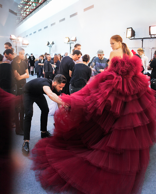 Backstage+Giambattista+Valli+Couture+fall+2016