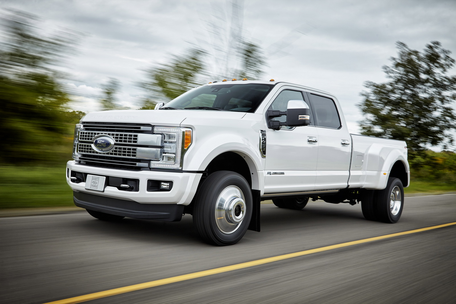ford f series super duty 39 s delayed launch blamed on parts. Black Bedroom Furniture Sets. Home Design Ideas