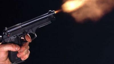 Φθιώτιδα: Αστυνομικός πυροβόλησε από τη βεράντα γιατί τσακώθηκε με νεαρούς