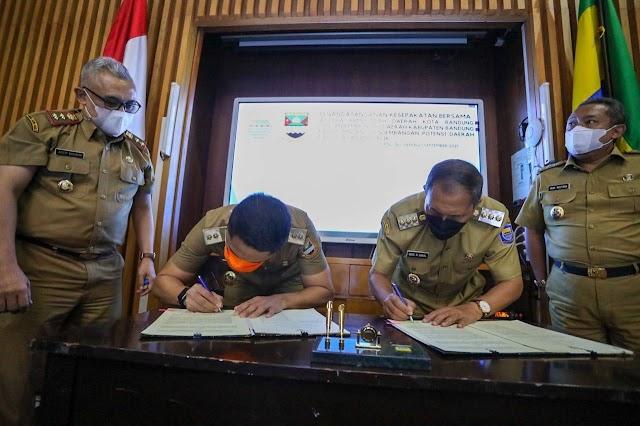 Pemkot Bandung Dan Pemkab Bandung Barat MoU Pengembangan Potensi Daerah dan Pelayanan Publik