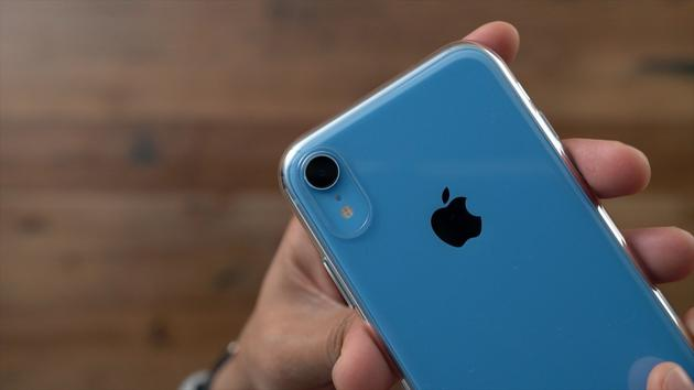 The most popular Apple phone in the US is the iPhone XR: 48% of total sales.