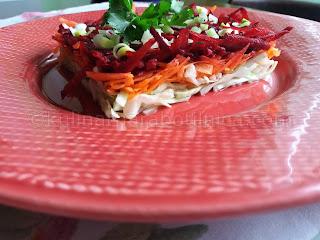 Рецепта за зелева салата с моркови, червено цвекло и пресен чесън