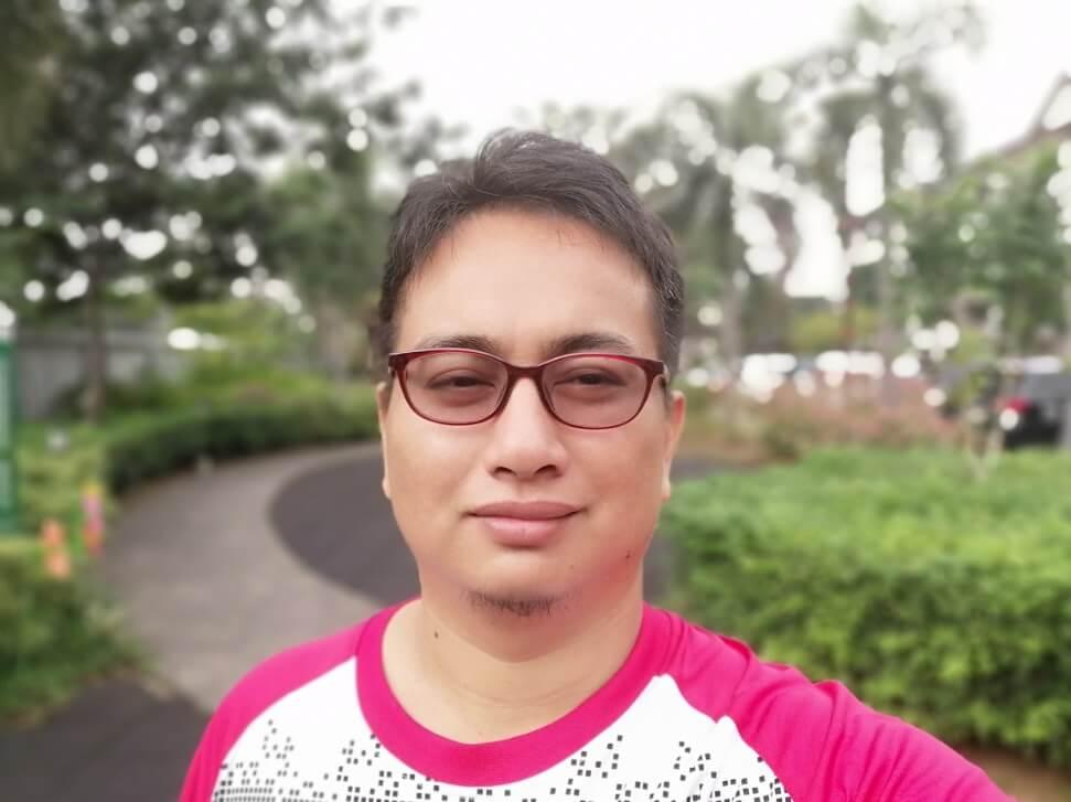 Huawei Y9 2019 Front Camera Sample - Selfie with Bokeh