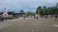 Masyarakat Yahukimo Tagi janji politik, sambut enembe dengan lemparan botol mineral
