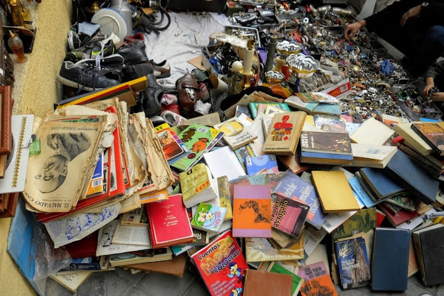 3 Days in Madrid: Books and junk for sale at El Rastro