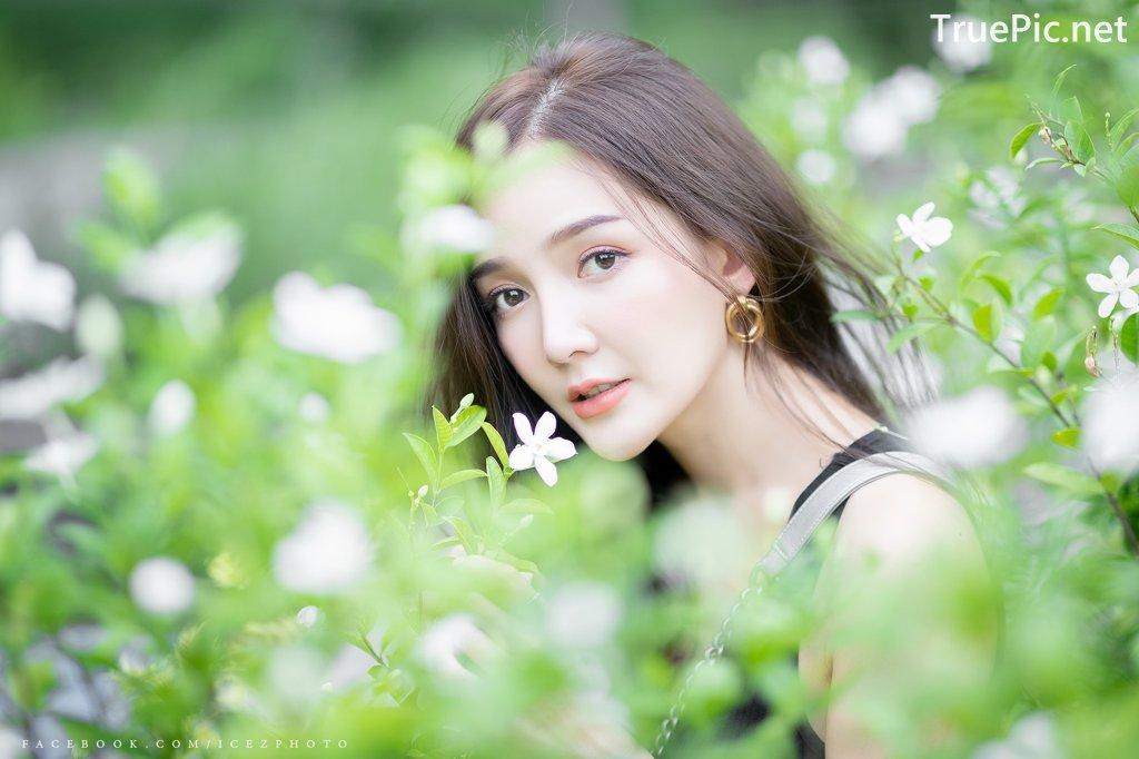 Image-Thailand-Model-Rossarin-Klinhom-Beautiful-Girl-Lost-In-The-Flower-Garden-TruePic.net- Picture-7