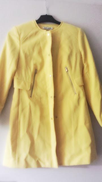 trench jaune stradivarius