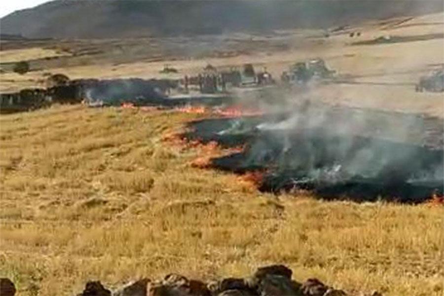 Diyarbakır Çınar Sürendal'da çıkan yangında yaklaşık 30 bin dönüm ekili arazi ve mera yandı
