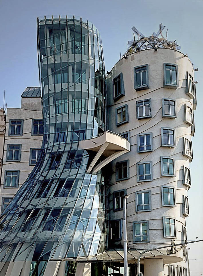Gehry dancing house
