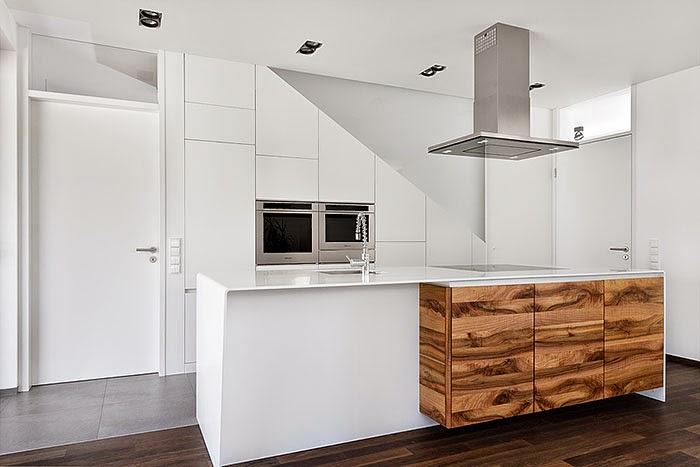 Un contraste natural que rompe la monoton a cocinas con for Cocinas de 3 metros de largo