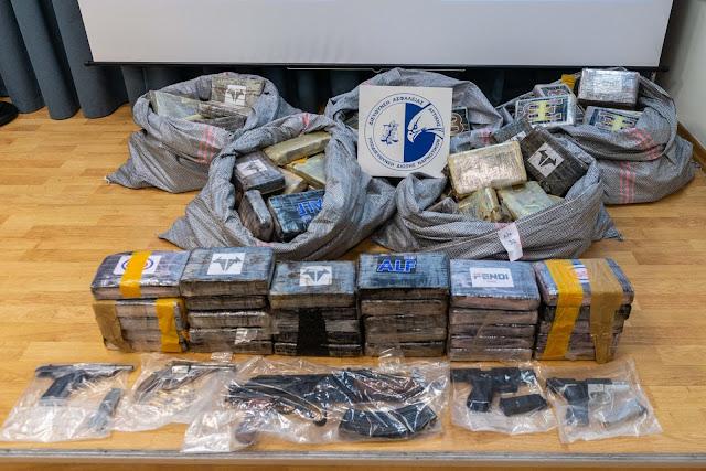 Σύλληψη εγκληματικής οργάνωσης - Κατασχέθηκαν 1 τόνος και 181 κιλά κοκαΐνης (βίντεο)