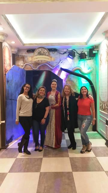 Julia, Dani, a princesa Vanesssa, eu e Regina no Reino do Chocolate Caracol, em Gramado, na Serra Gaúcha