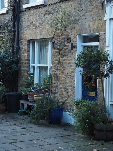 london pretty door