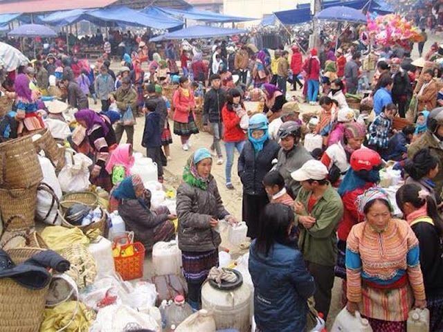 The atmosphere is bustling at flea market in Lao Cai