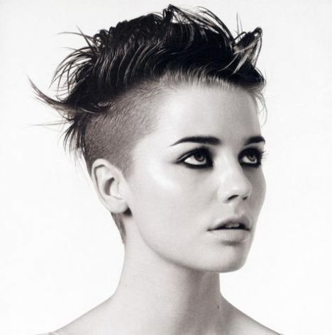 she chose this very personalized mohawk hairstyle