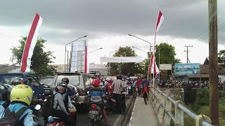 Kemacetan Di Jembatan Lembu Peteng