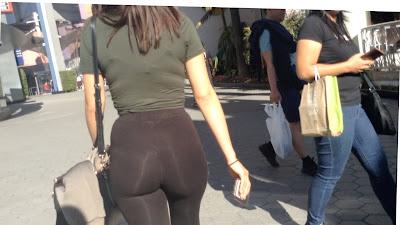 Candid video chava caderona leggins transparentes