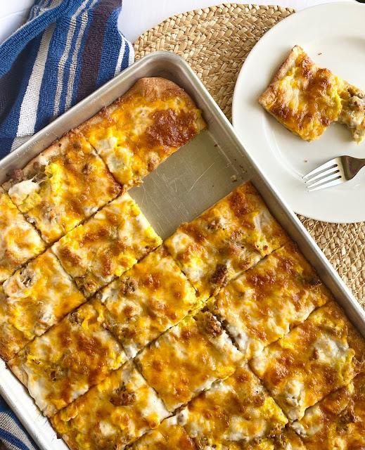 Sheet Pan Breakfast Pizza