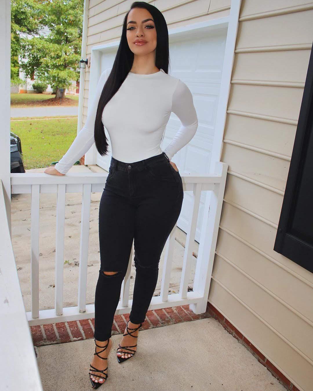 Olivia Johnson Latest HD Photo