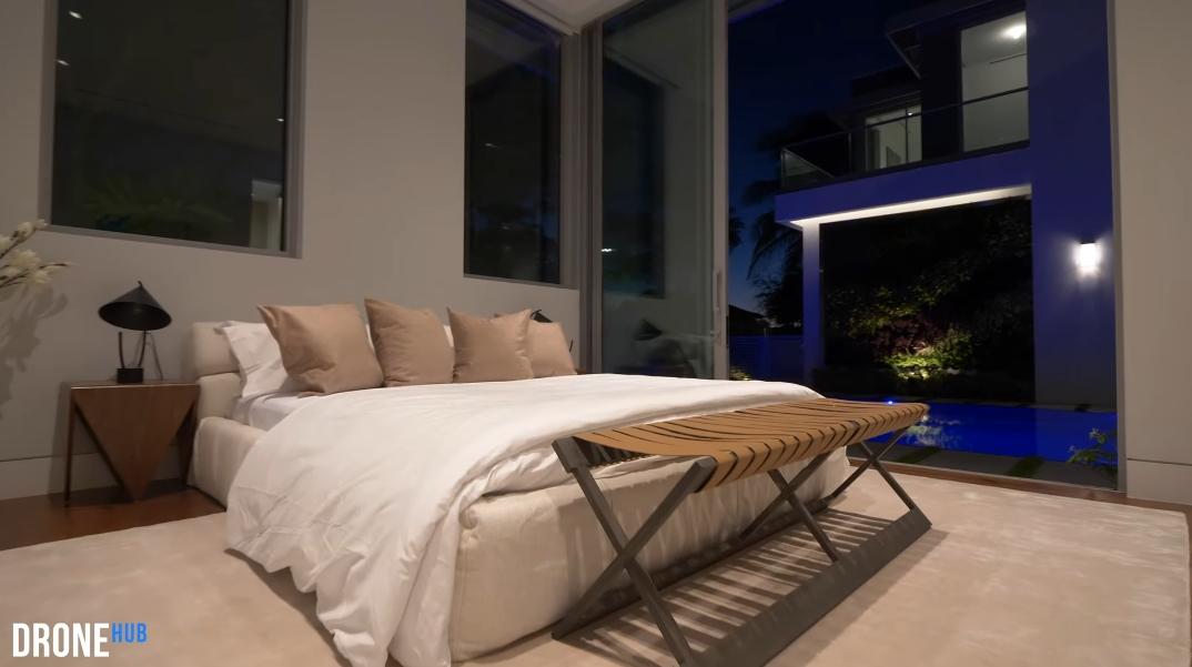 95 Photos vs. Tour 6717 S Flagler Dr, West Palm Beach, FL Ultra Luxury Modern Mansion Interior Design
