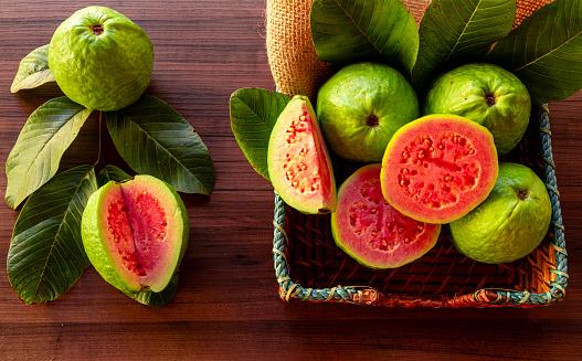 7 Manfaat Jambu Biji Merah Sebagai Nutrisi Harian