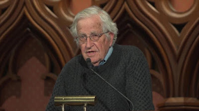 Chomsky critica a Trump por aumentar el riesgo de guerra nuclear