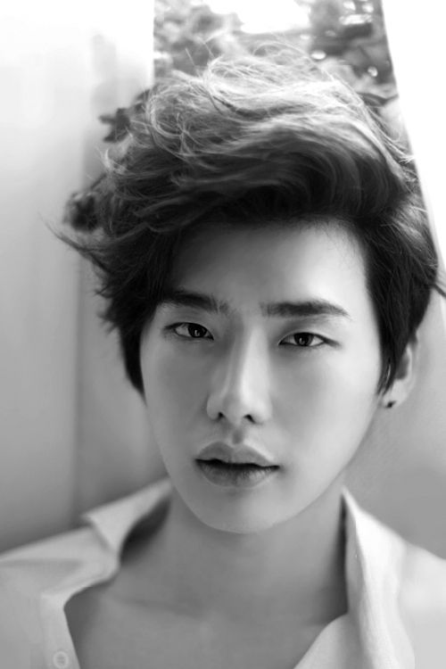 Lee jong suk hairstyles and hair colors korean hairstyle trends