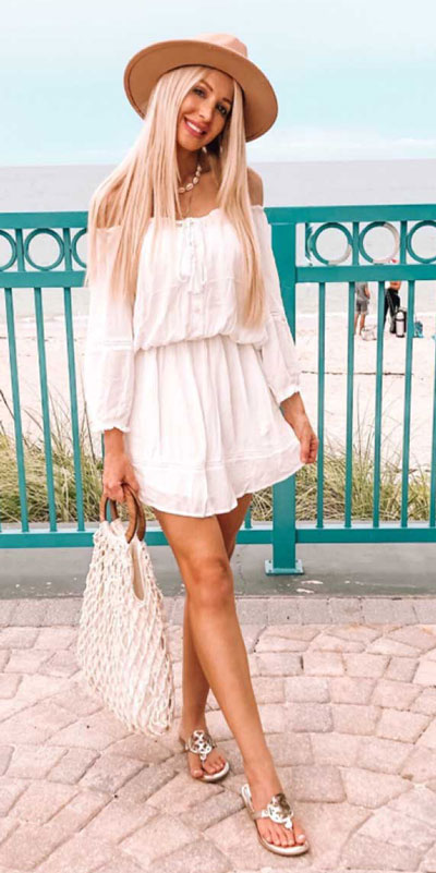 Do you like comfortable & cozy dress outfits? See these 29 Best Casual Dressy Outfits to Look Fantastic. Women's Style + Fashion via higiggle.com | Cute Mini Dress | #fashion #style #casualoutfits #minidress