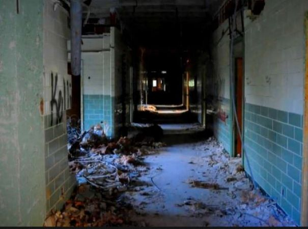 भूतिया बन चुका है ये अस्पताल, पास से भी नहीं गुज़रते लोग